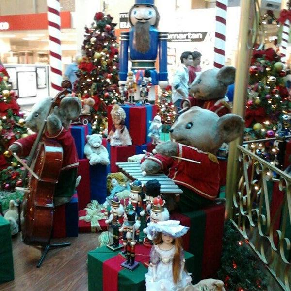 Foto tirada no(a) Shopping Neumarkt por Roberto N. em 12/3/2012