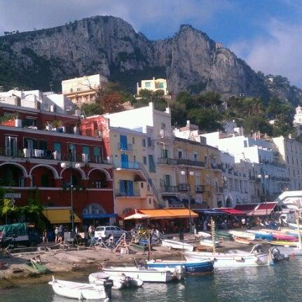 Foto scattata a Marina Grande da Adrian R. il 10/5/2012