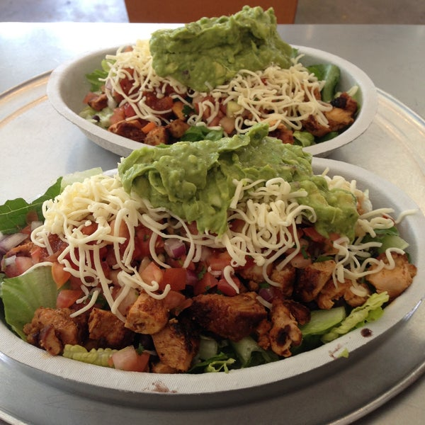 Photo taken at Chipotle Mexican Grill by Christie R. on 4/26/2013