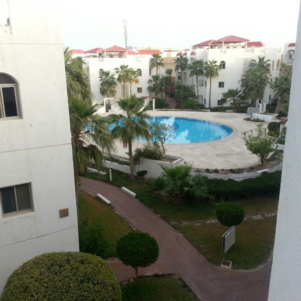 Good for singles, other wise movenpick at the same place with amazing spa and swimming pool.