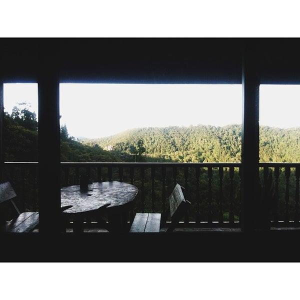 Photo taken at Kinabalu Mountain Lodge by Zarul Nazli Z. on 9/3/2013