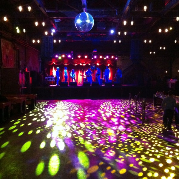 Photo taken at Brooklyn Bowl by Eddo L. on 3/24/2013