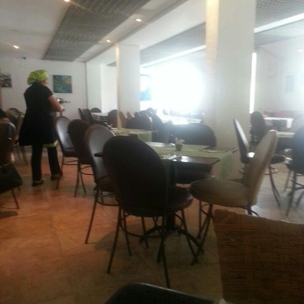 Foto tirada no(a) Limone Restaurante e Café por Lígia L. em 5/6/2014