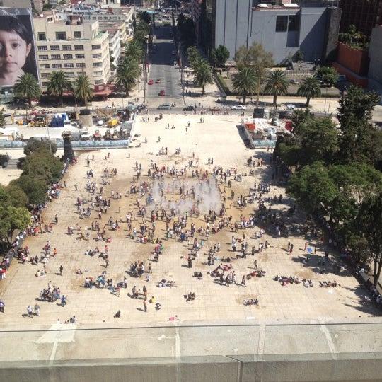Das Foto wurde bei Mirador Monumento a la Revolución Mexicana von Roberto Z. am 10/21/2012 aufgenommen