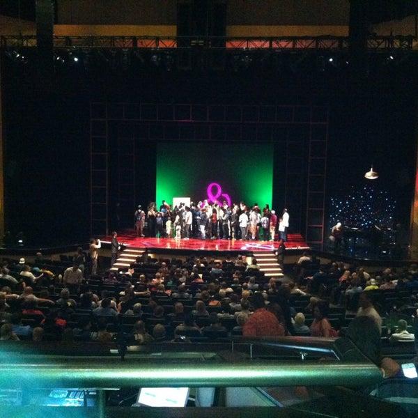 Foto tomada en Penn & Teller Theater por Ashley B. el 6/16/2013
