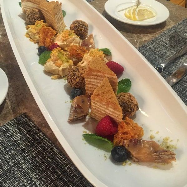 Помимо свежайших и очень вкусных морепродуктов , рекомендую все-таки оставить место для десерта! Мы попробовали все и попросили сделать нам ассорти и это было божественно!