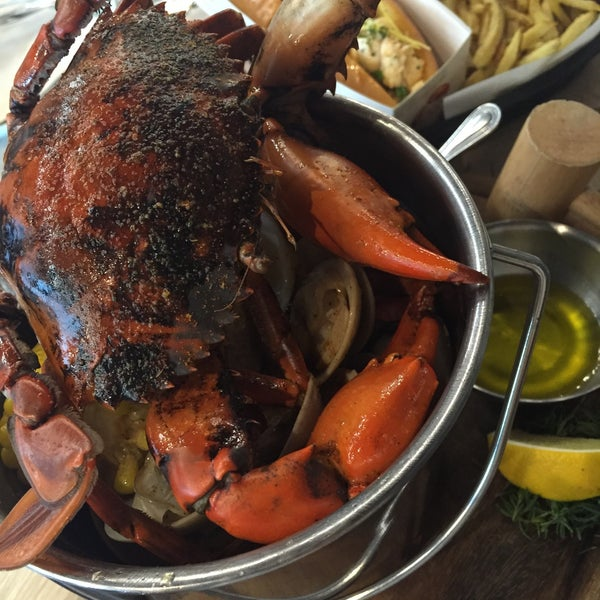 Crab and Claw - Seafood Restaurant in วัฒนา