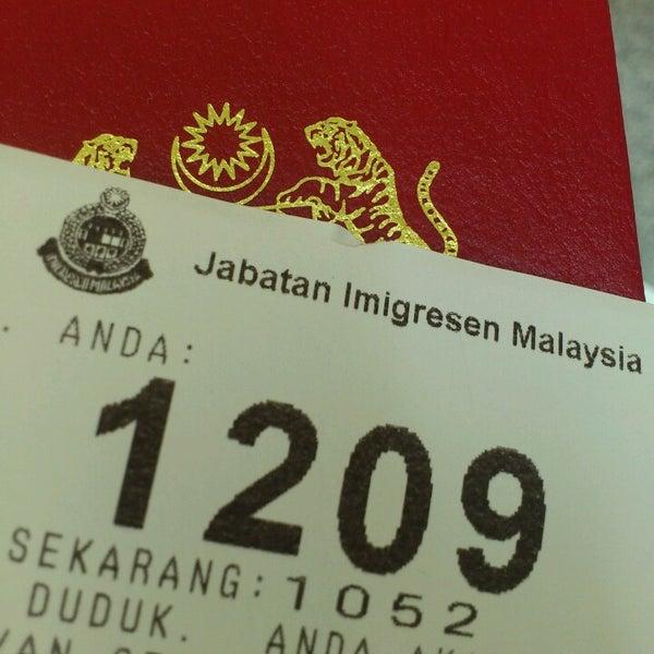 Photo taken at Jabatan Imigresen Malaysia by cni_ c. on 3/25/2013