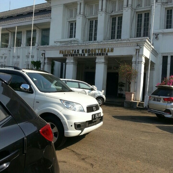 Photo taken at Fakultas Kedokteran Universitas Indonesia by Ahmad F. on 6/24/2015
