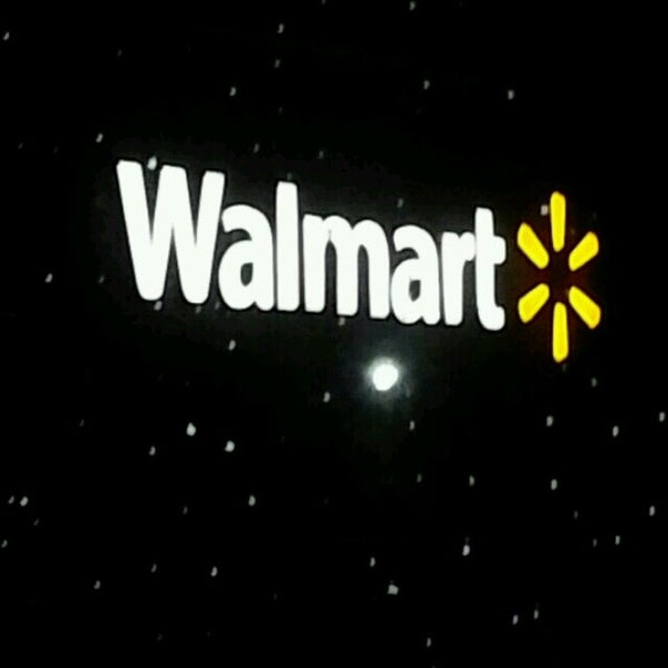 Photo taken at Walmart Supercenter by feather in the wind E. on 3 5 b2813a128