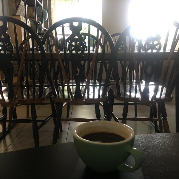 Снимок сделан в First Point Espresso Bar пользователем Kateryna Z. 8/22/2017