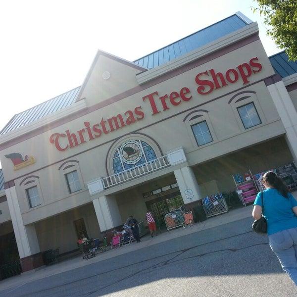 Christmas Tree Shp: Brandywine Town Center