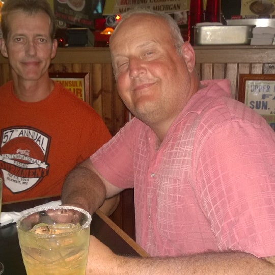 Photo taken at Hudson's Classic Grill & Bar by Ann T. on 8/4/2014