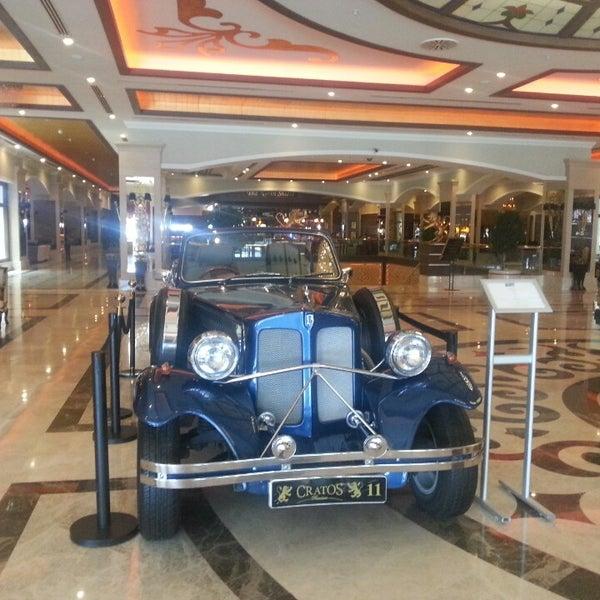 10/4/2013 tarihinde Oktay K.ziyaretçi tarafından Cratos Premium Hotel & Casino'de çekilen fotoğraf