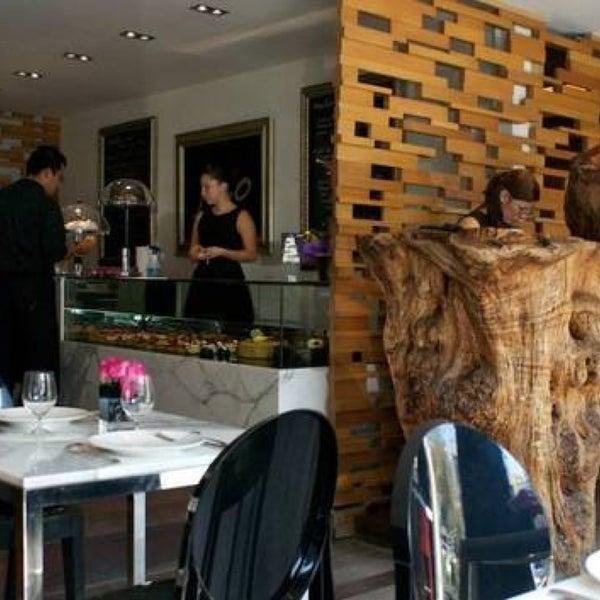 Foto tomada en Jaso Restaurant por Daisy S. el 3/31/2013