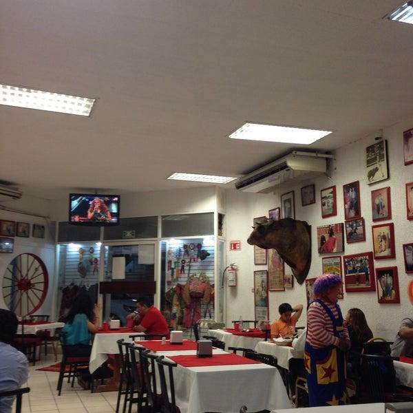 Foto tomada en Restaurante El Matador por Miguel el 2/23/2014
