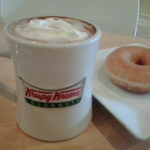 Photo taken at Krispy Kreme by Channel I. on 5/24/2013