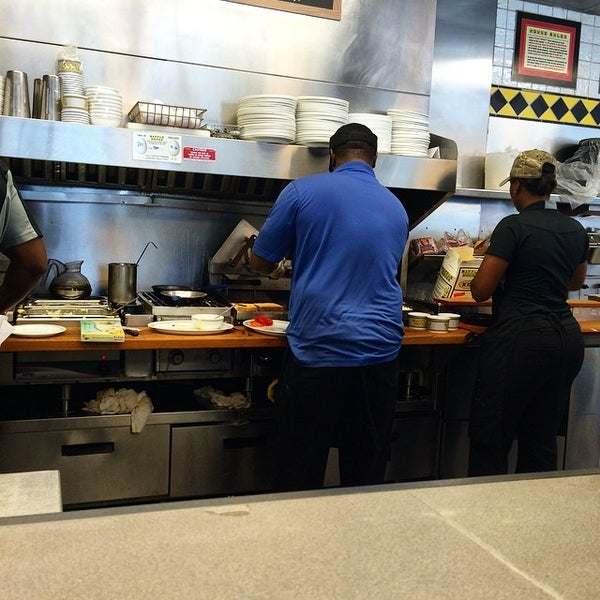 Photo taken at Waffle House by David M. on 7/30/2014