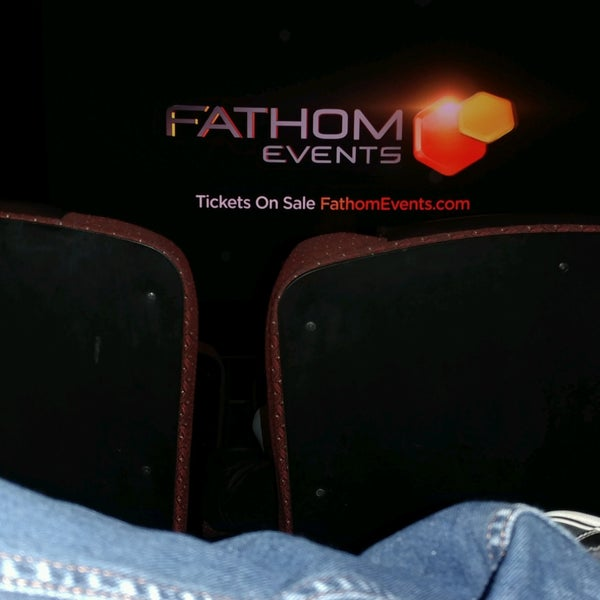 Photo taken at Cobb Grove 16 Cinemas by Hans A. on 1/14/2017