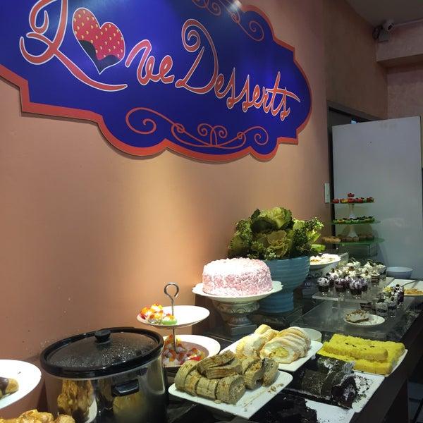 3/1/2016 tarihinde JM D.ziyaretçi tarafından Love Desserts'de çekilen fotoğraf