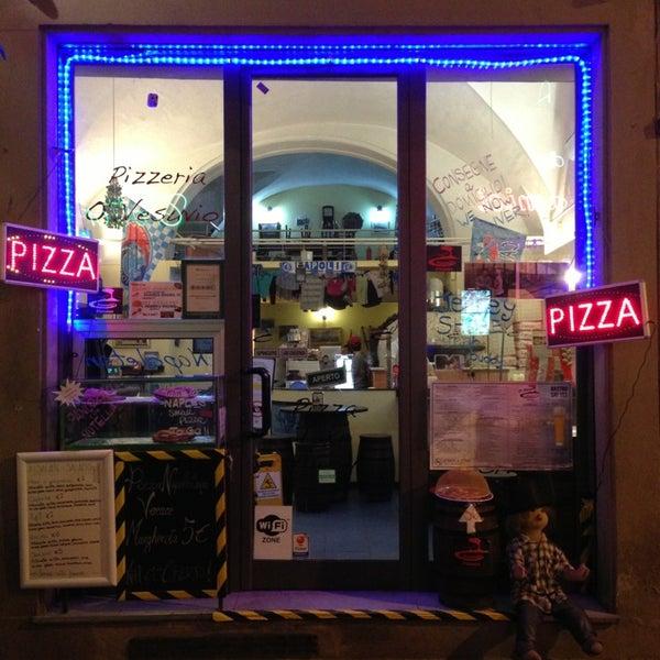 Foto tomada en Pizzeria O' Vesuvio Napoletana Forno Legna por Benoit C. el 3/28/2013