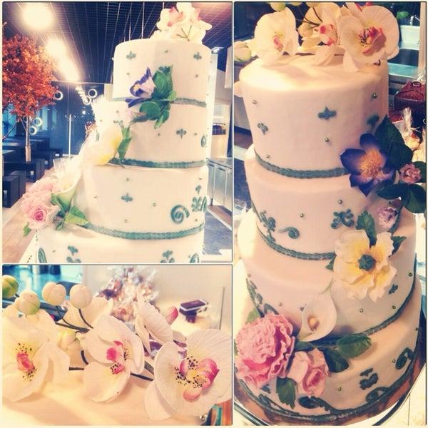 можно заказать тортик для Вашего праздника:)👌🍰❤️👍👍🎁🎁🎉🎉💐🌷🌹