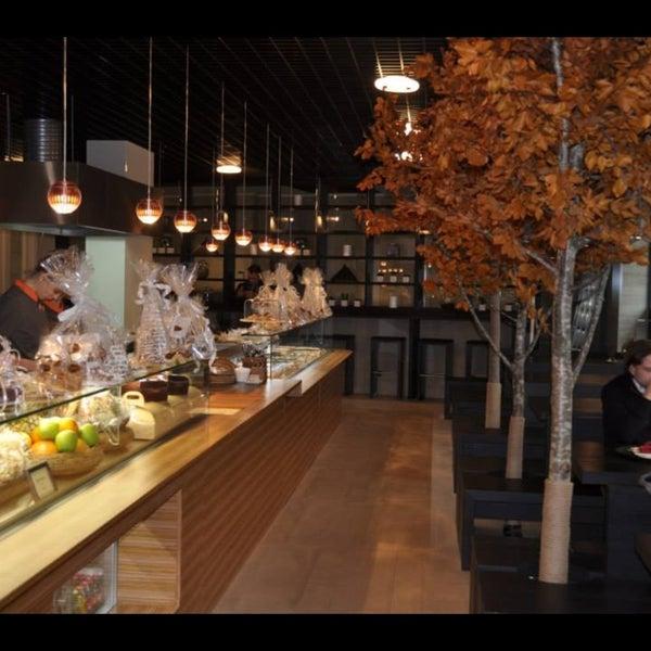 кафе-кондитерская с уютной обстановкой и большим выбором свежей выпечки и кондитерских изделий 👌👌👌🍩🍪🍪🍰🍕🍫🍦🍧🍮
