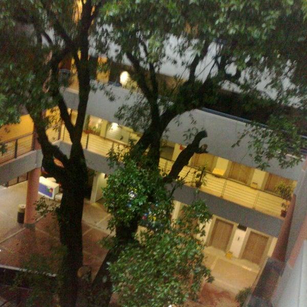 Foto tomada en Universidad Autónoma de Asunción por kevin V. el 6/12/2013