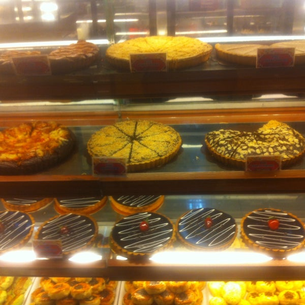 Photo taken at Mawar Bakery and Cake Shop by Dilla D. on 8/15/2017