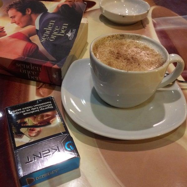1/11/2017 tarihinde Kübra G.ziyaretçi tarafından Caffe Sydney'de çekilen fotoğraf
