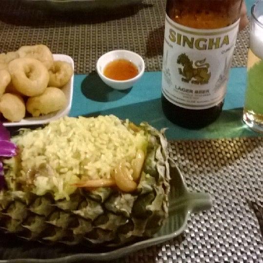 Снимок сделан в Tanta's Thai Restaurant пользователем Cenk G. 11/26/2013