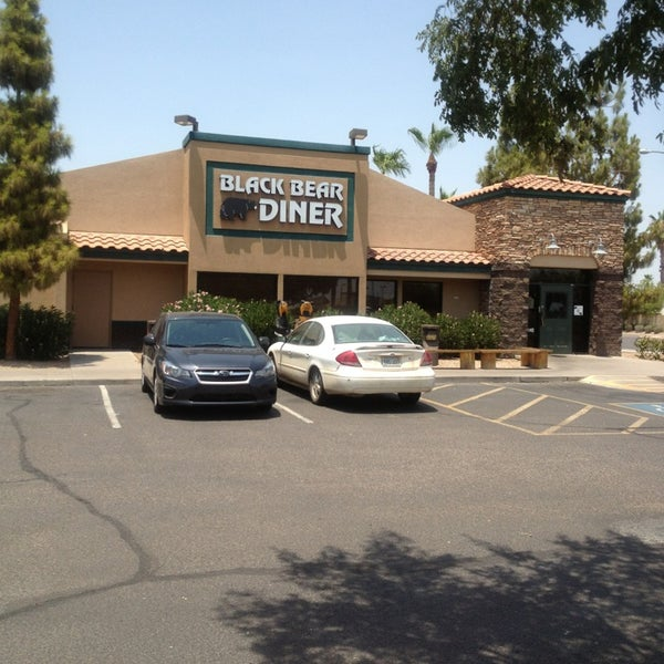 Photo taken at Gilbert Black Bear Diner by Davin M. on 7/1/2013