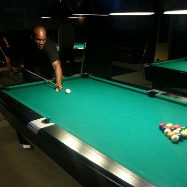 Photo taken at Pressure Billiards & Cafe by Shon R. on 9/22/2014