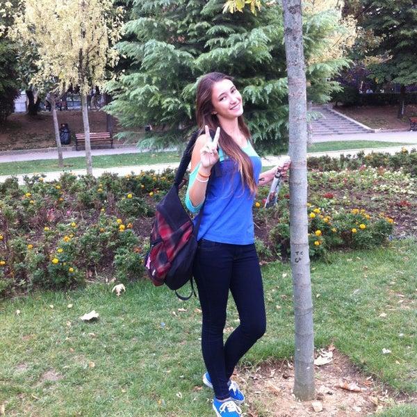 9/18/2013にirisがTaksim Gezi Parkıで撮った写真