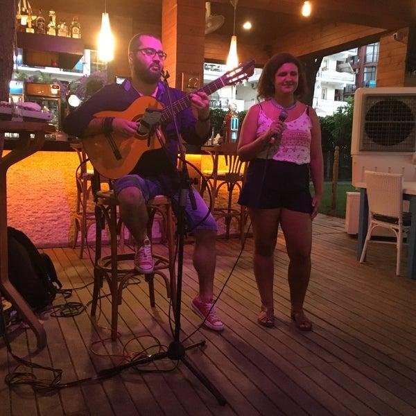 7/15/2016 tarihinde Çağla Y.ziyaretçi tarafından Mod Yacht Lounge'de çekilen fotoğraf