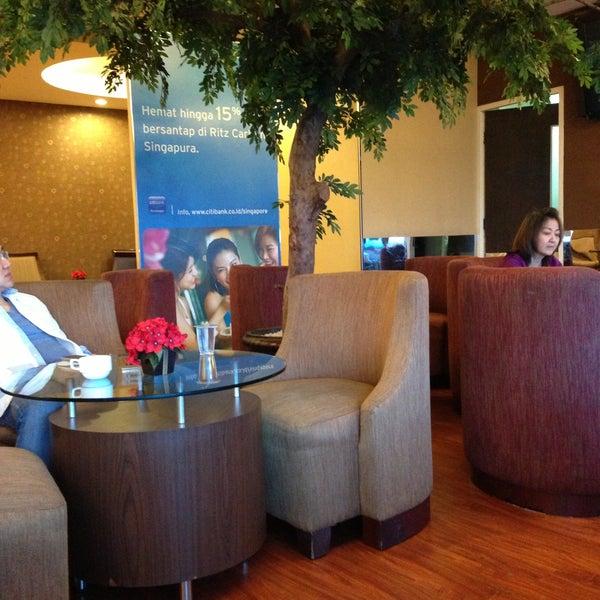 Photo taken at Citibank Lounge by Fedi L. on 4/15/2013