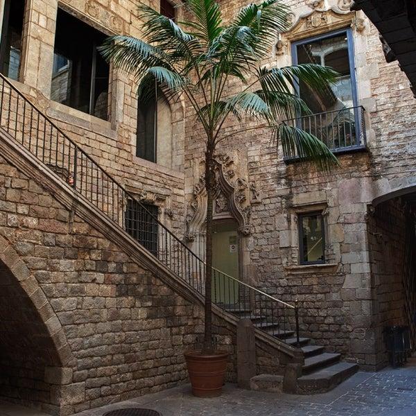 Museu Picasso - Sant Pere-Santa Caterina i la Ribera - C. Montcada, 15-23