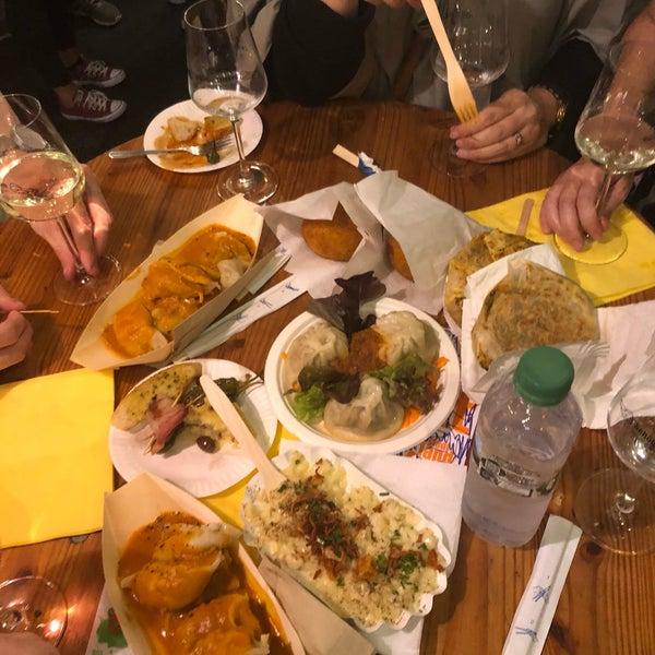 Das Foto wurde bei Street Food Thursday von Mallory M. am 8/30/2018 aufgenommen