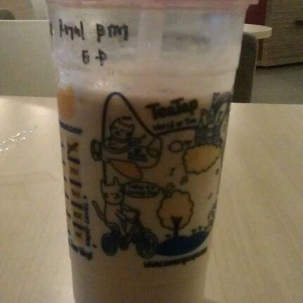 12/17/2011 tarihinde joyce n.ziyaretçi tarafından TeaTap Cafe'de çekilen fotoğraf