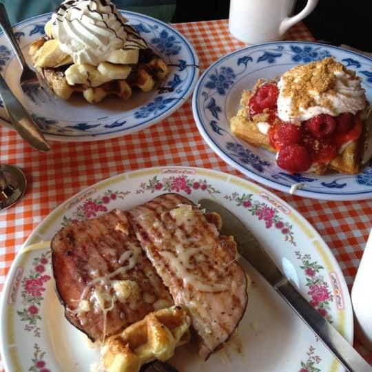 Foto tirada no(a) The Waffle Window por Elspeth N. em 11/20/2011