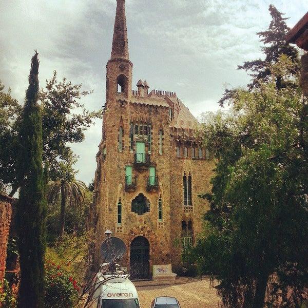 Foto tomada en Torre Bellesguard por Hector I. el 4/26/2013