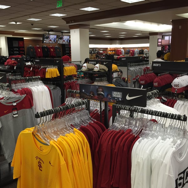 Photo taken at USC Bookstore (BKS) by Noah S. on 3/4/2016