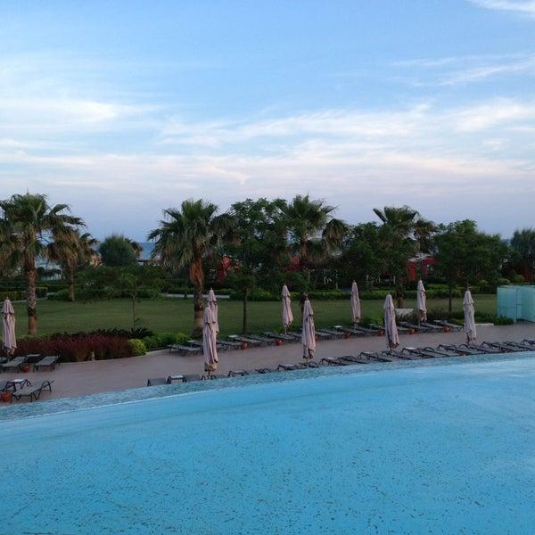 5/16/2013 tarihinde Erhan D.ziyaretçi tarafından Cornelia Diamond Golf Resort & Spa'de çekilen fotoğraf