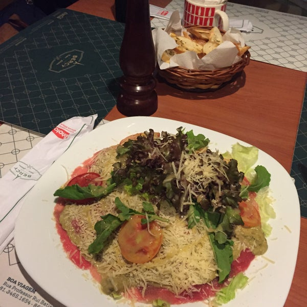 Photo taken at Bercy Village - Crepes e Saladas by Claudia T. on 3/12/2016
