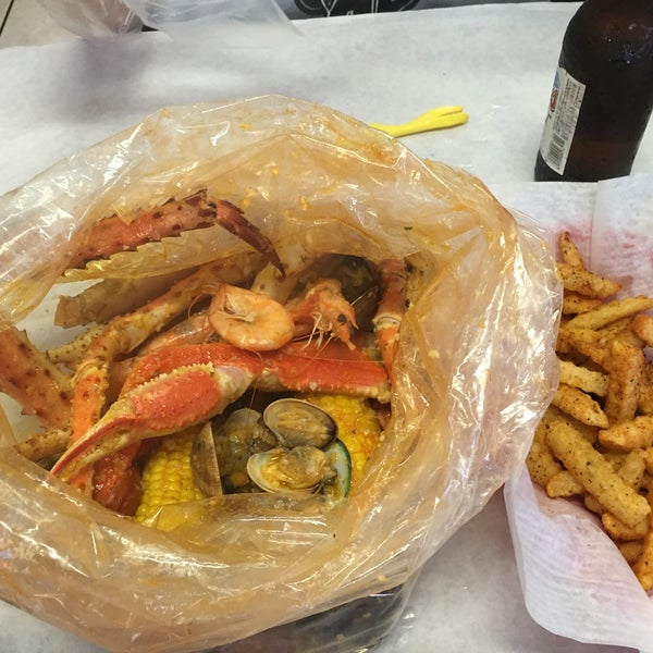 Photo taken at Raging Crab by samuraill on 3/24/2015