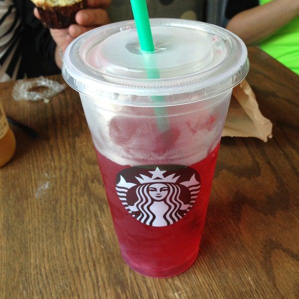 Photo taken at Starbucks by Juan Carlos G. on 4/22/2013