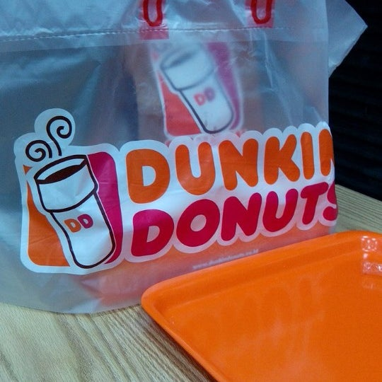 Photo taken at Dunkin Donuts by Toto S. on 12/31/2013