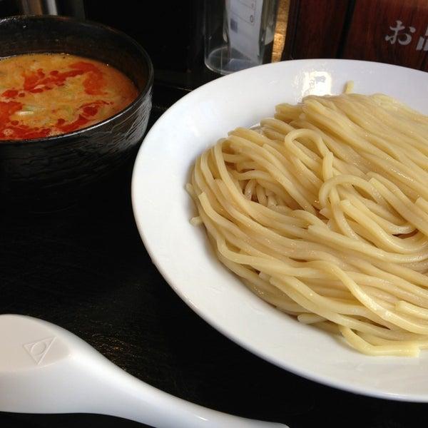 Photo taken at 三ツ矢堂製麺 下北沢店 by Mikan M. on 12/28/2013