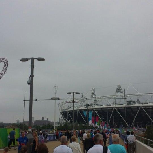 7/21/2013 tarihinde Deanziyaretçi tarafından Queen Elizabeth Olympic Park'de çekilen fotoğraf