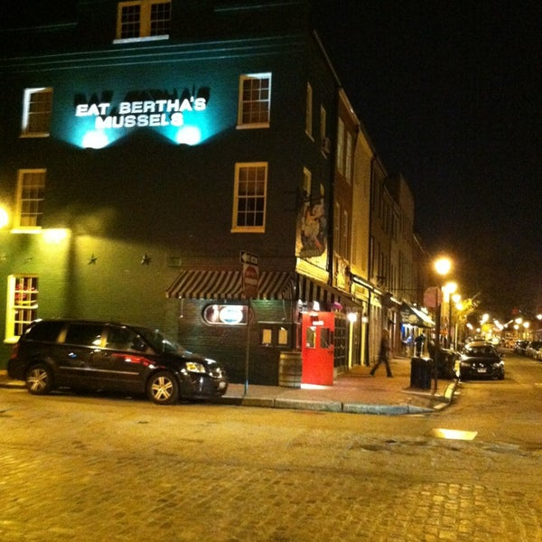 Best Crab Cakes Baltimore Fells Point